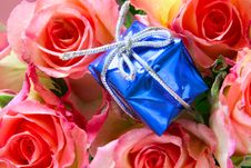 Free Gift Box Close-up And Roses Stock Image - 3845881
