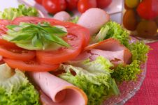 Free Fresh Salad With Onion, Tomato And Basil Royalty Free Stock Photo - 3847865