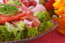 Free Fresh Salad With Onion, Tomato And Basil Royalty Free Stock Photography - 3848097