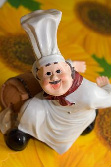 Free Figurine Of The Cook Royalty Free Stock Images - 3851379