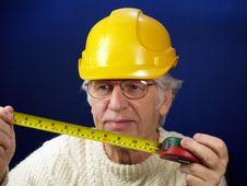 Free Workman Measuring Stock Image - 3852111