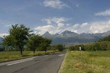 Free Way To High Tatras, Slovakia Royalty Free Stock Images - 3852699