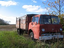 Free Abandoned Farm Truck Stock Photos - 3854873