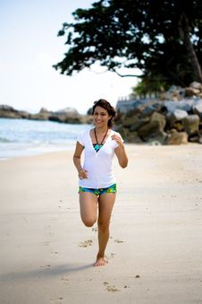 Free Running On The Beach Royalty Free Stock Image - 3859426