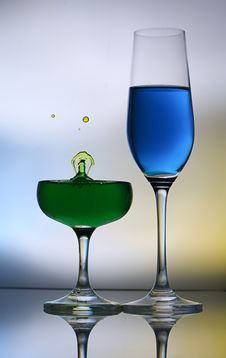 Free Splashing Water Drop On Wine Glass Stock Photos - 38523563