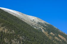 Free Mountain And Blue Sky Royalty Free Stock Photos - 3865908