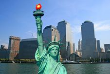 Free The Statue Of Liberty And NYC Skyline Royalty Free Stock Photo - 3866475
