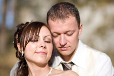 Free Dreaming Bridal Couple Stock Images - 3870224