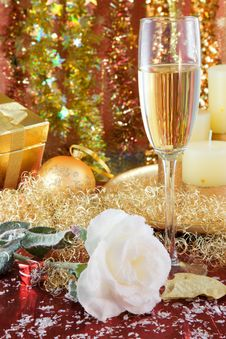 Free Christmas Decorations. Royalty Free Stock Photography - 3870367