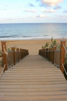 Free Stairway To The Beach Royalty Free Stock Photography - 3873627