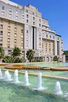 Free Luxury Condominium Royalty Free Stock Images - 3874119