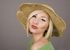 Free Blonde Straw Hat Puckered Stock Image - 3878491