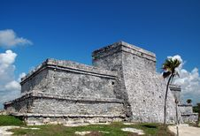 Free View Of Ancient Mayan Castle At Tulum Royalty Free Stock Images - 3882249