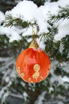 Free Red Christmas Ball Stock Image - 3883471