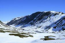 Free Snow Mountains Royalty Free Stock Image - 3888356