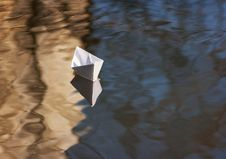 Free Paper Boat Floating In The Creek Stock Photography - 38842592