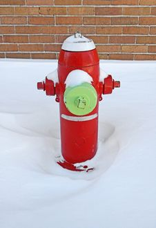 Free Red Fire Hydrant Covered By Snow Royalty Free Stock Image - 3892096