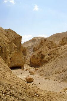 Free Arava Desert - Dead Landscape, Stone And Sand Stock Photo - 3899340