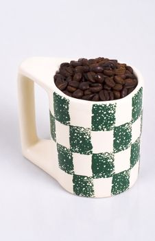 Free Cup Of Coffe Beans Royalty Free Stock Images - 395479