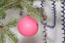 Free Christmas Ball Royalty Free Stock Photos - 395488