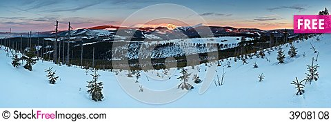 Free Sunny Winter Morning In The Mountains Royalty Free Stock Photos - 3908108