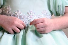 Free Little Hands Fix Dress Royalty Free Stock Images - 3900829