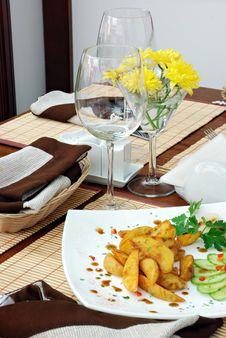 Free Potatoes And Cut Stock Photo - 3902150