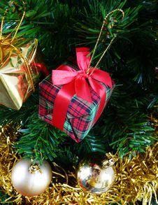 Free Christmas Tree Royalty Free Stock Photos - 3905508
