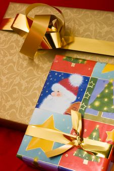 Free Wrapped Cristmas Gifts Royalty Free Stock Photography - 3905597