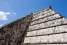 Free Ancient Mayan Pyramid Wall At Chichen Itza Stock Photography - 3906112