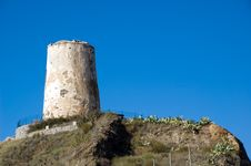 Free Spanish Defensive Tower Stock Photography - 3916862