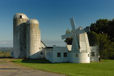 Free Silo & Windmill Stock Photo - 3916880