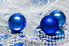 Free Blue Christmas Balls Stock Photos - 3919333