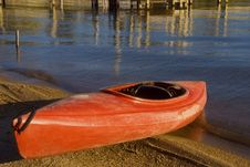 Free Red Kayak Royalty Free Stock Photography - 3927357
