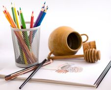 Free Sketch Of Honey Pot And Dipper Royalty Free Stock Photography - 3927507