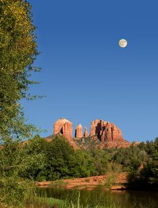 Cathedral Rocks With Moon Rising Stock Photography