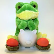 Free Easter Frog Banker Royalty Free Stock Photo - 3927835
