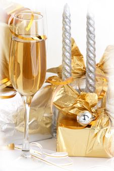 Free Glasses Of Champagne , Gifts Royalty Free Stock Photo - 3928935