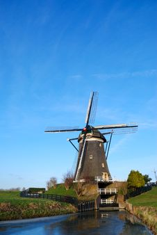 Free Windmill With Blue Sky Stock Images - 3929104