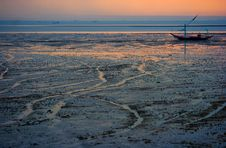 Free Sand Boat Royalty Free Stock Images - 3936109