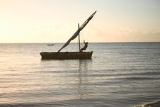 Free Setting Dhow Sail Ii Royalty Free Stock Photos - 3938948