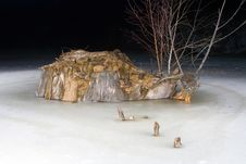Free Stump On Frozen Pond Royalty Free Stock Images - 3941869