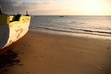 Free Seascape And Dhow Royalty Free Stock Image - 3942416