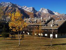 Free Mountain Resort Royalty Free Stock Image - 3942786