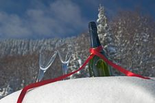 Free Champagne In Snow Stock Photography - 3947552