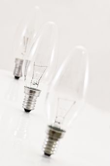 Free Lightbulbs In A Row Royalty Free Stock Images - 3951919