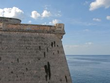 Free Walls Of A Fortress Against The Sky Stock Photography - 3958332