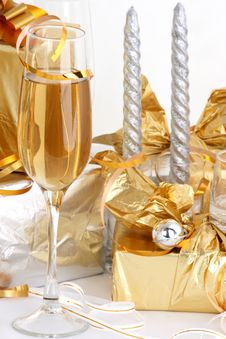Free Glasses Of Champagne , Gifts Stock Photo - 3959500