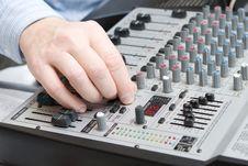 Free Adjusts Setting Of A Synthesizer Stock Photo - 3969900