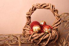 Free Christmas Basket Royalty Free Stock Images - 3971959